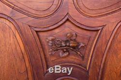 Bibliothèque style Art nouveau en chêne sculpté aux insectes et hibou