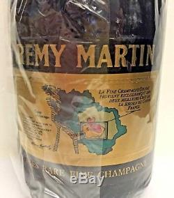 Bouteille de Rémy Martin très rare fine Champagne V. S. O. P. Cognac France 1970's