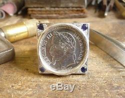 Chevalière argent carrée avec pièce de 1 Franc Napoléon III et 4 saphirs sertis