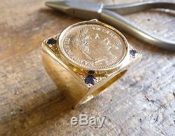 Chevalière or carré douille intérieure pièce 20 Francs Napoléon lauré, 4 Saphirs
