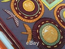 FOULARD HERMES intitulé COUPONS INDIENS avec boîte (rare) mauve