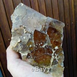 Fluorine/fluorite Polysynthetique Filon Jaune Valzergues Aveyron France