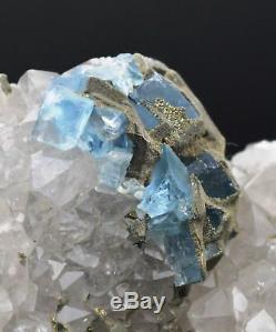 Fluorite pyrite sur quartz 268 grammes Mont Roc, Tarn, France
