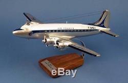 MAQUETTE AVION Air France Douglas DC-4 F-BBDJ 1er Paris-NY