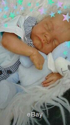 Noël Reborn baby boy or girl asleep LEVI BY BONNIE BROWN SPARSE BLOND HAIR