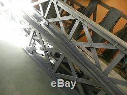 Poutre métallique en bois décoration loft