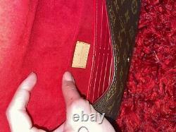 Sac pochette bandouliere Louis Vuitton
